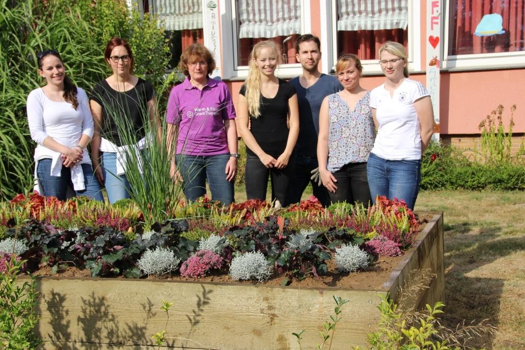 Die Warth & Klein Grant Thornton AG Wirtschaftsprüfungsgesellschaft hat im Rahmen eines Socialdays Gartenhochbeete im Kinderdorf in Schwalmtal gebaut.