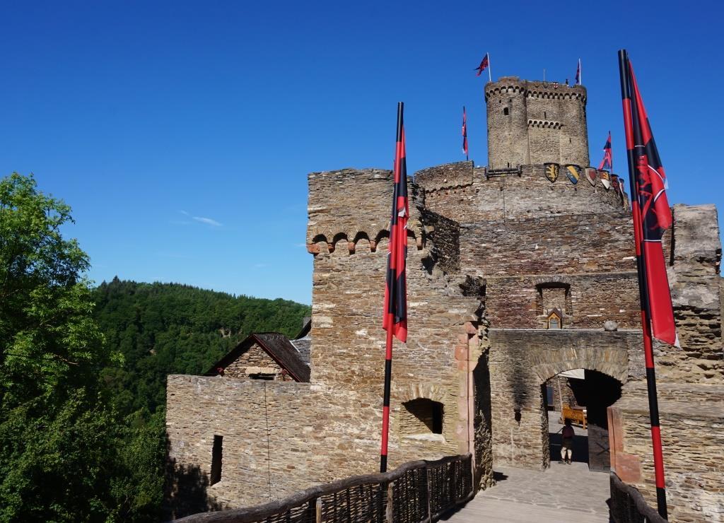 Zur Ehrenburg ging der Ausflug des Bethanien Kinder- und Jugenddorfs Eltville