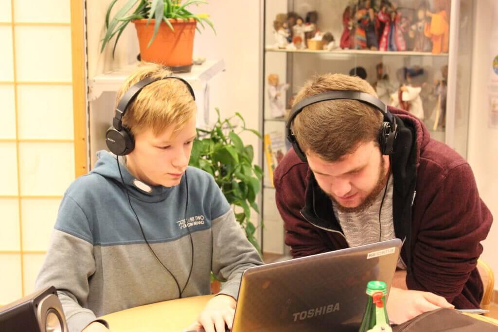 """Mit einem Radioprojekt näherten sich die Kinder dem Thema """"Motzen und Trotzem mit Jona"""""""