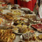 Jedes Jahr backen die Kinderdorffamilien und Gruppen Kuchen für den Martinsmarkt