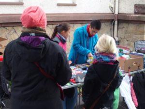 Flohmarkt: Kinder handeln