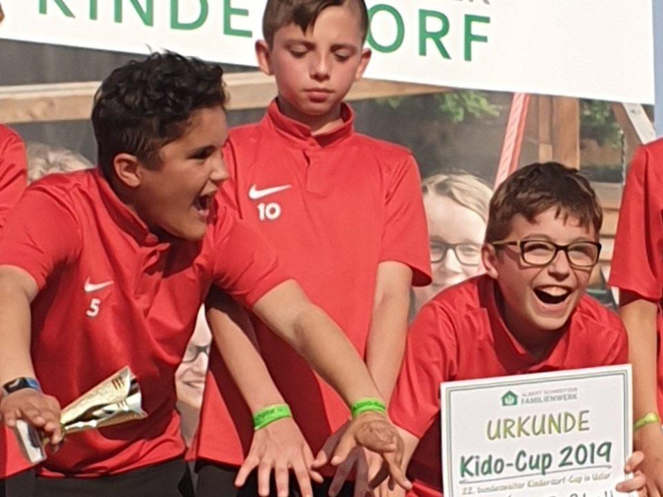 Bethanien Kinderdorf Eltville holt sich den Pokal.