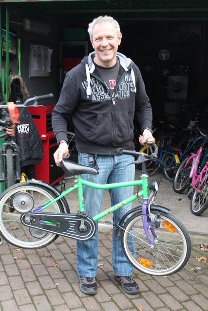Im Bethanien Kinderdorf Bergisch Gladbach werden Spenden für die Fahrradwerkstatt gesammelt