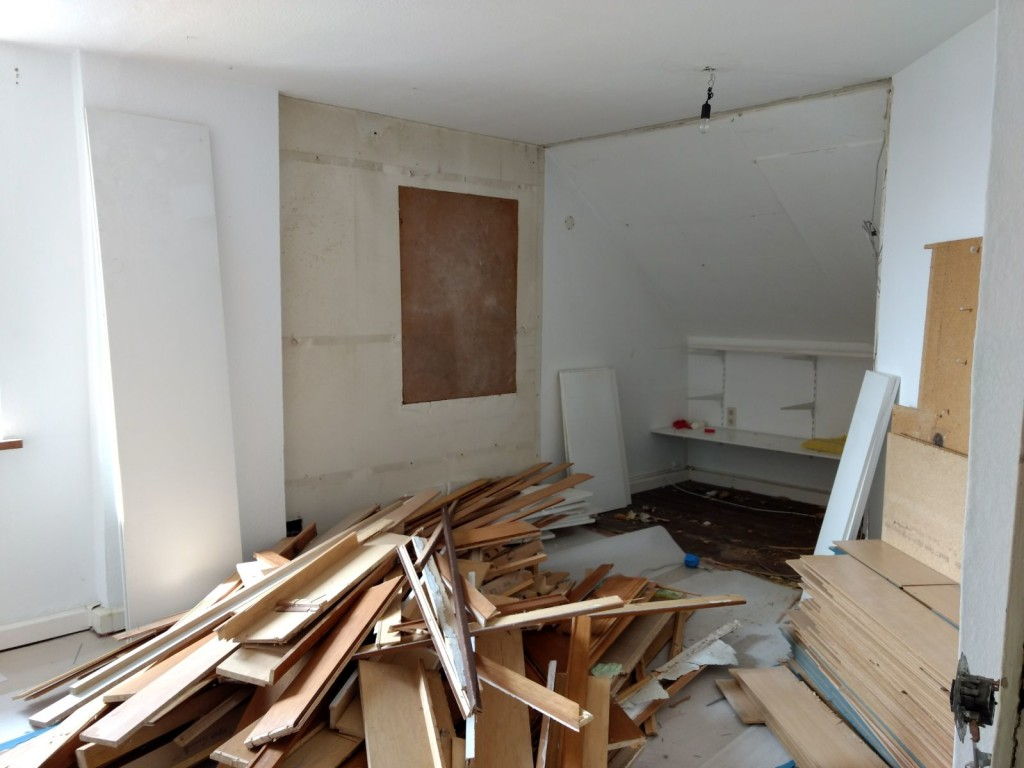 das haus der au enwohngruppe rheingaustra e wird generalsaniert. Black Bedroom Furniture Sets. Home Design Ideas
