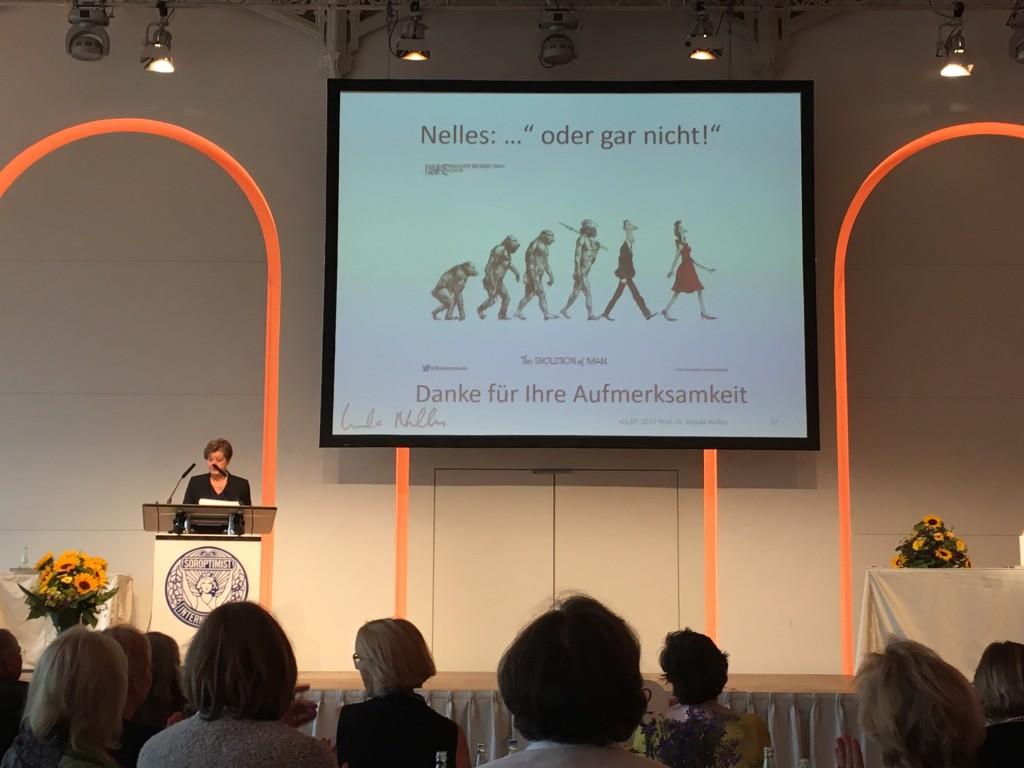 Prof. Dr. Ursula Nelles war einer der Hauptrednerinnen. Als langjährige Soroptimistin setzt sie sich als Juristin besonders für Chancengleichheit ein und hat schon Bundesgesetze beeinflusst.